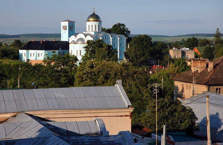 2009 р. Резиденція і собор. Вигляд з позиції А1