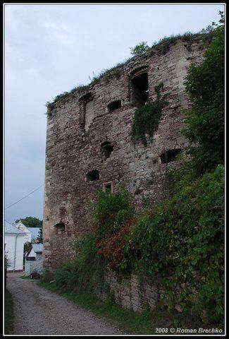 Вежа побудована Юрієм Язловецьким у 1550-1556 рр.