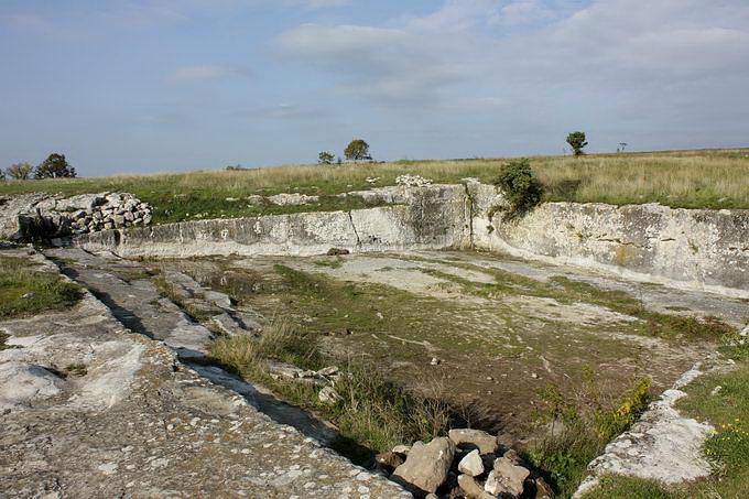 Водозбірний басейн пере східною брамою
