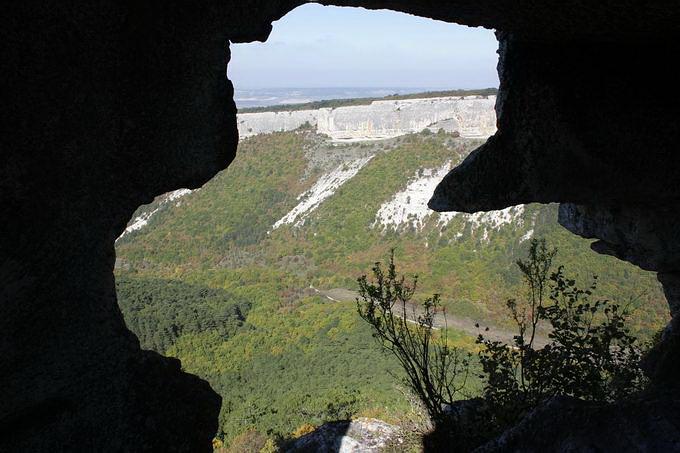 Вид з печери
