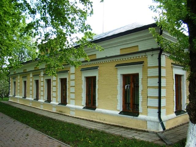 Будинок. Задній фасад