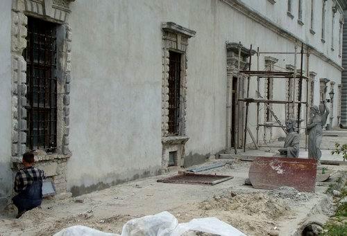 2009 р. Фрагмент фасаду палацу