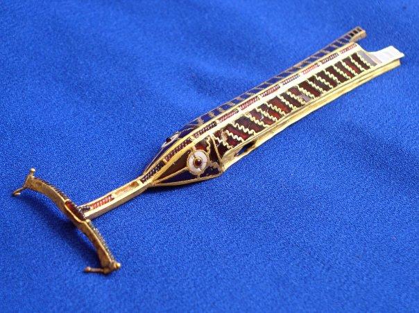 Скоба для подвешивания ножен меча