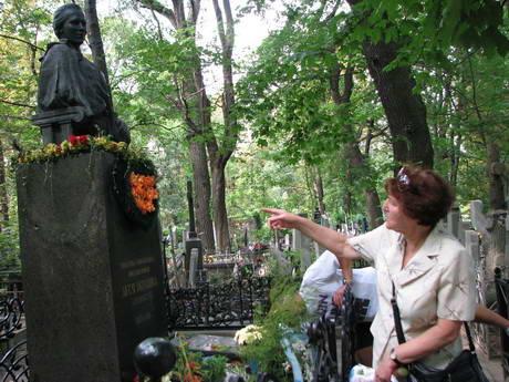 2010 г. На Байковом обокрали могилу Леси Украинки