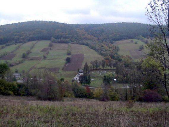 [2003..2006 р.] Краєвид з церквою з дороги на Маластівський перевал