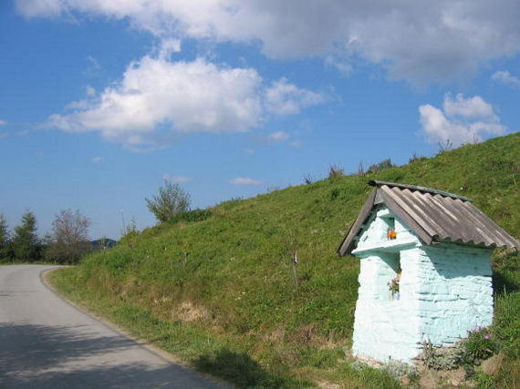 [2003..2006 р.] Каплиця при дорозі на Ляцкову