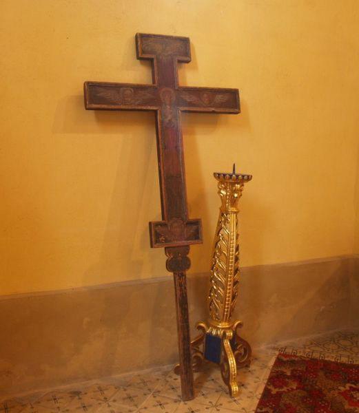Хрест і свічник