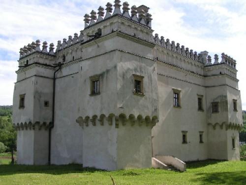Замок Гладишів