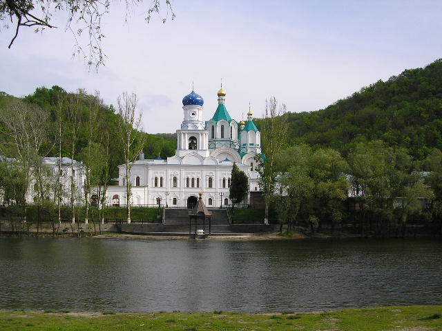 2005 р. Загальний вигляд трапезної і Успенського собору