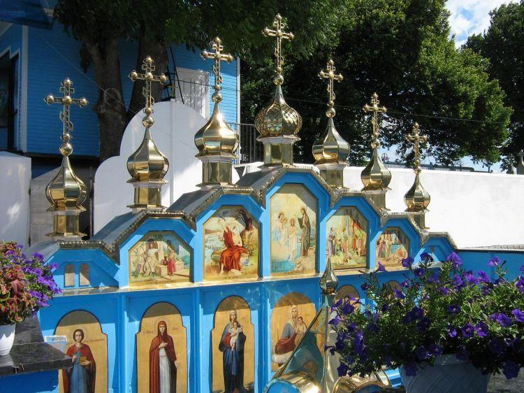 2007 р. Іконостас над колодязем св.праведної Анни