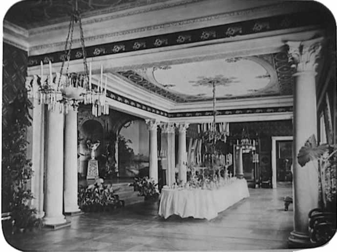 Їдальня в палаці Тарновських