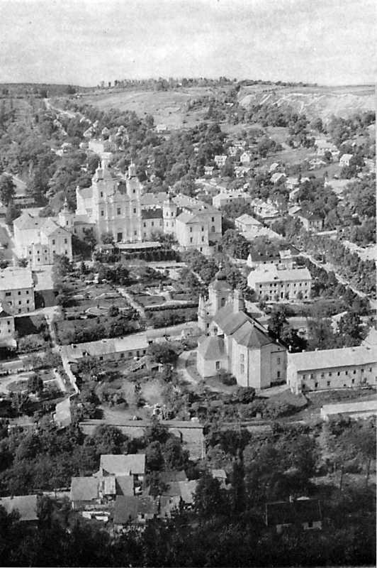Миколаївська церква і колегіум в Кременці.