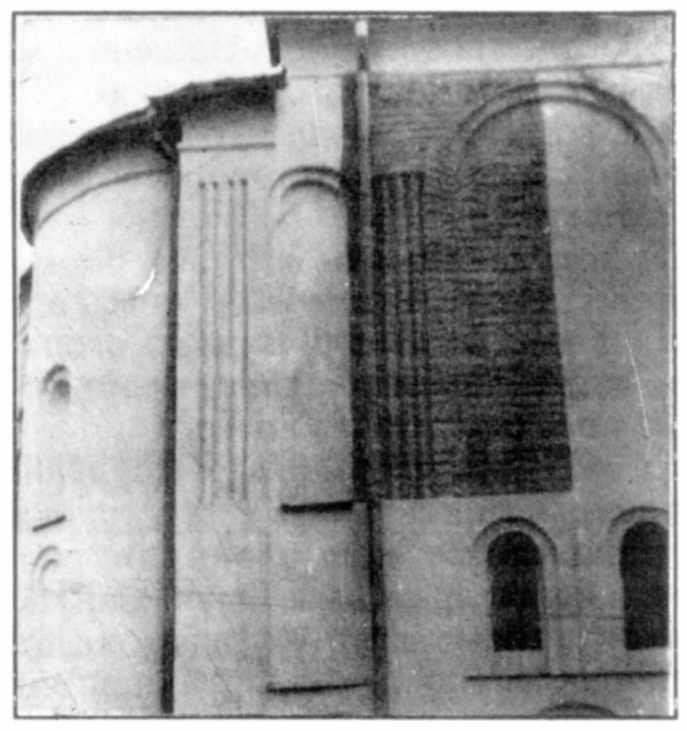 Зондажі на східному пряслі північного фасаду