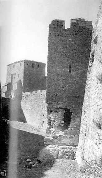 Рів і башти
