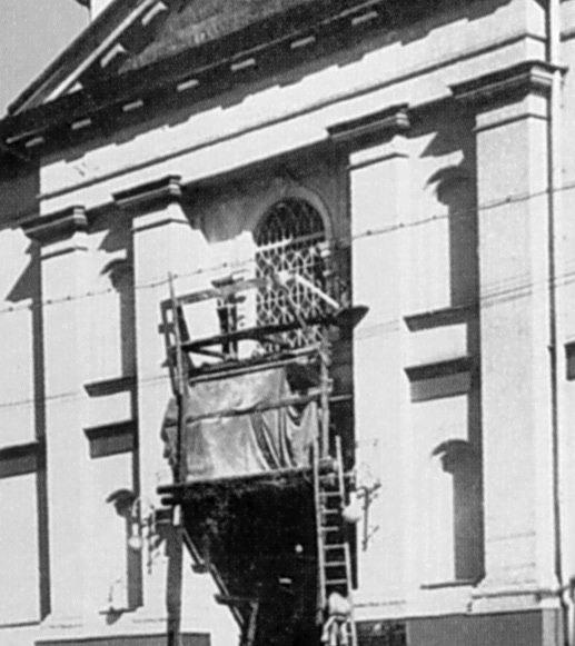 Балкон 1-го ярусу