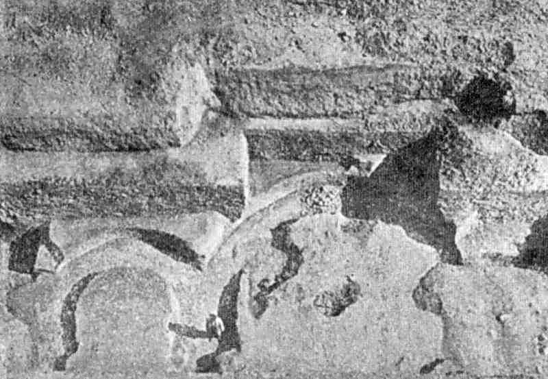 1908 р. Фундаментні рови апсид