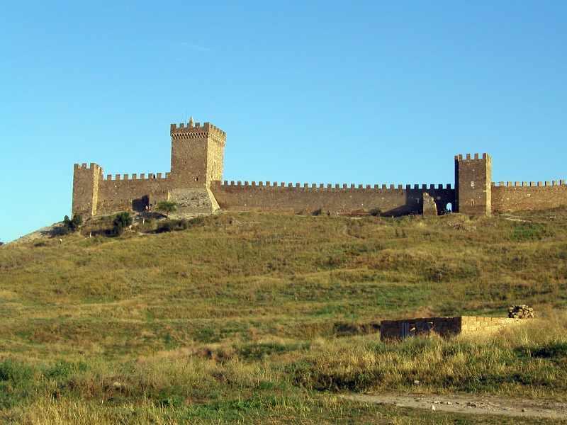 2004 р. Консульський замок і Георгіївська башта. Вигляд з півночі