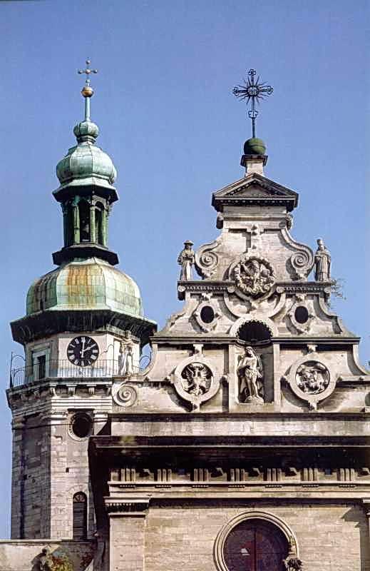 2006 р. Фронтон головного фасаду. Вигляд із заходу