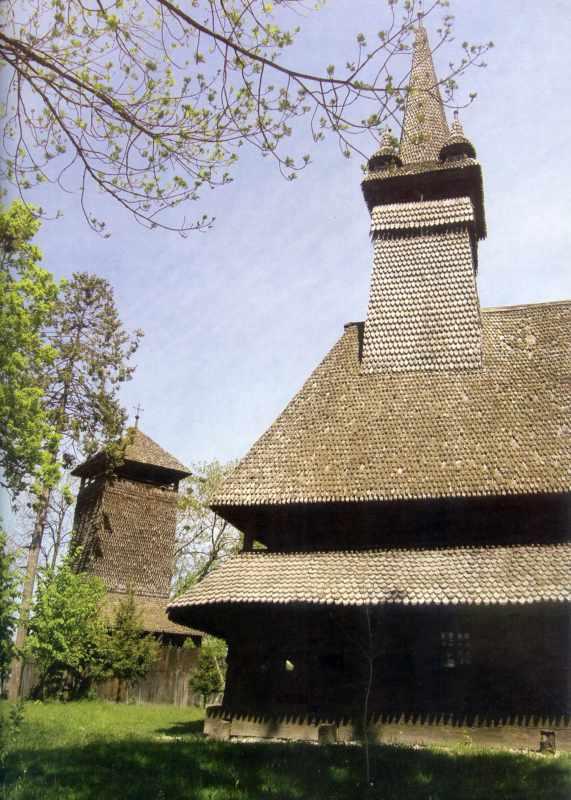 2005 р. Дзвіниця і церква. Вигляд з позиції С2