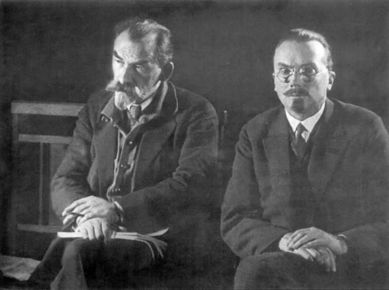 1927 р. М.О.Скрипник та О.В. Палладін під час сесії ВУАН