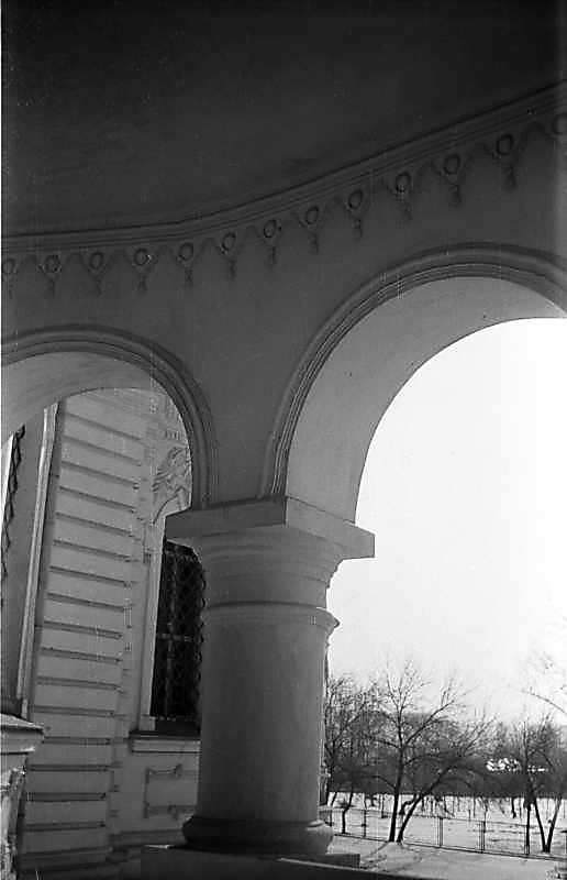 1976 р. Колона південно-східного ґанку