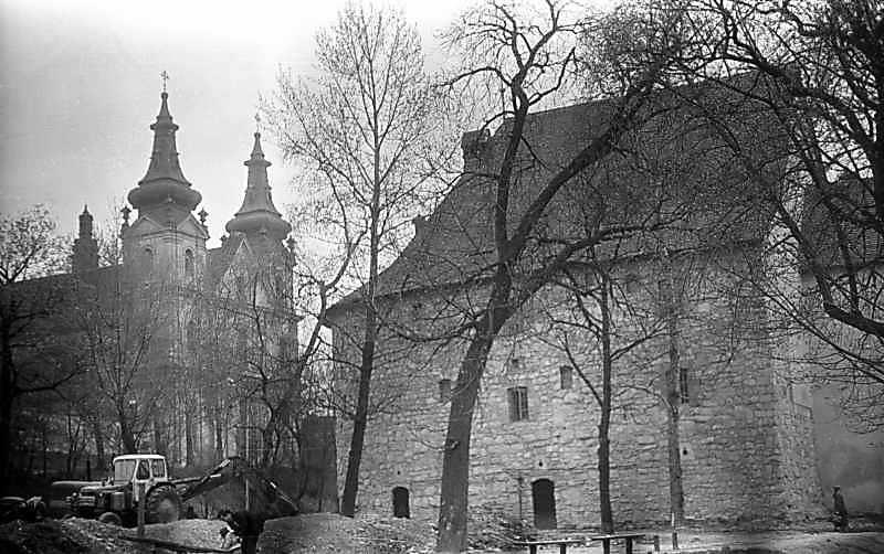1976 р. Костел кармелітів і Порохова башта. Вигляд з півночі