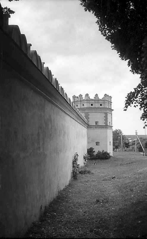 1976 р. Західний мур і південно-західна башта. Вигляд з півночі