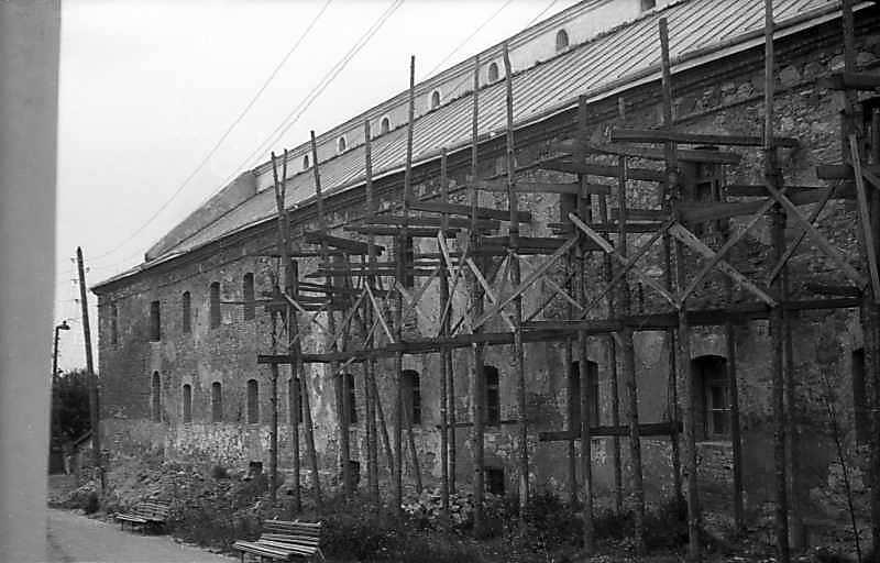 1977 р. Південно-західний фасад корпусу келій. Вигляд з півдня