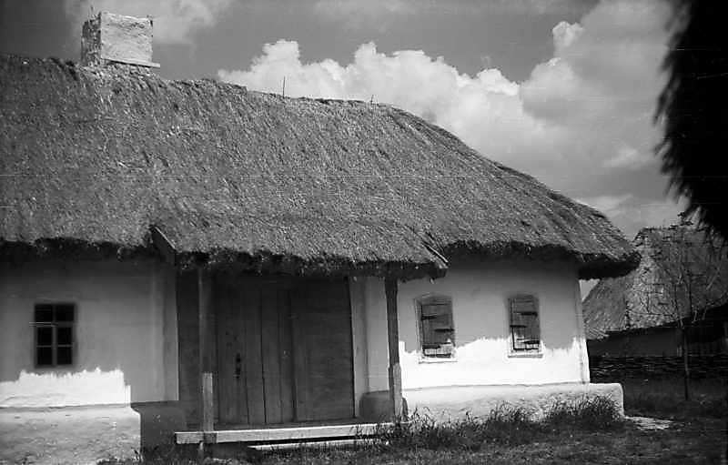 1977 р. Чільний фасад (права частина)