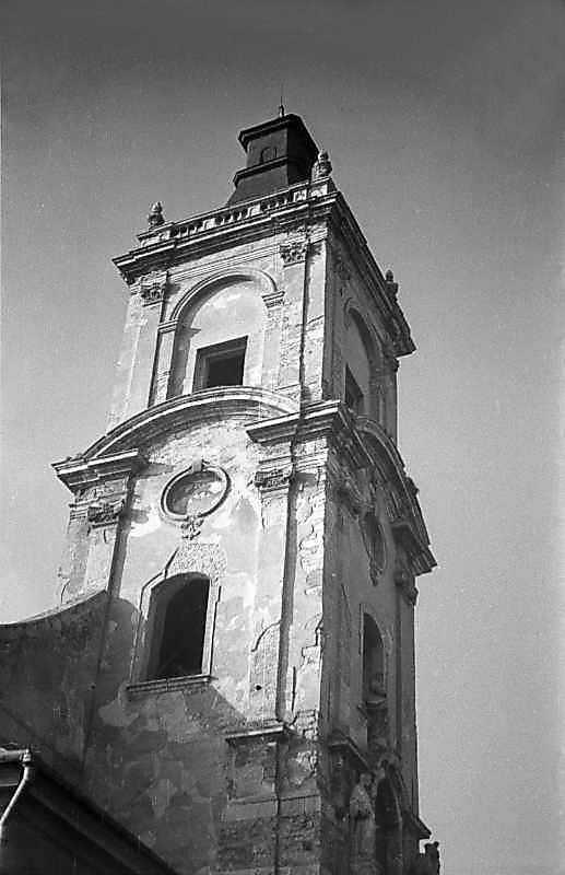 1977 р. Башта. Верхі яруси. Вигляд з півночі