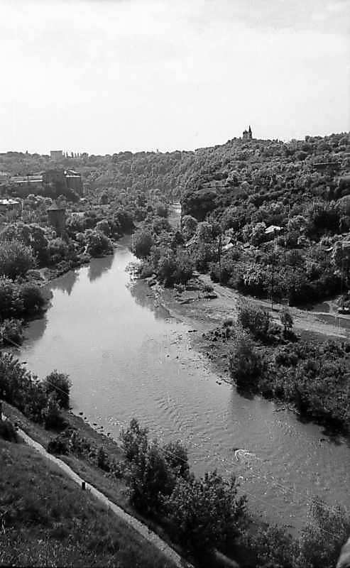 1977 р. Вид на р.Смотрич і Руські фільварки з півночі, з каземату Турецького моста