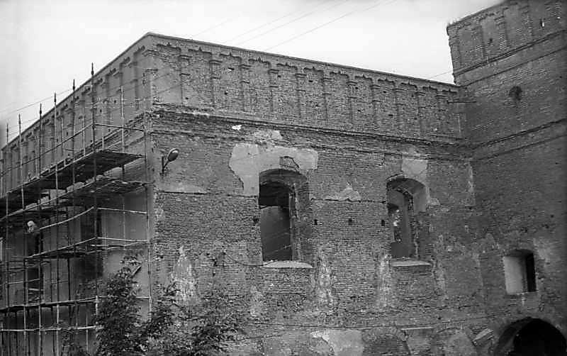 1977 р. Фрагмент фасаду. Вигляд із заходу