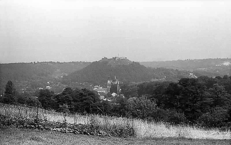 1977 р. Вид на Замкову гору і центр міста із заходу