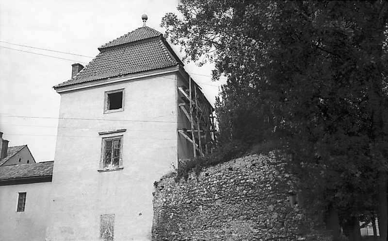 1977 р. Наріжна башта