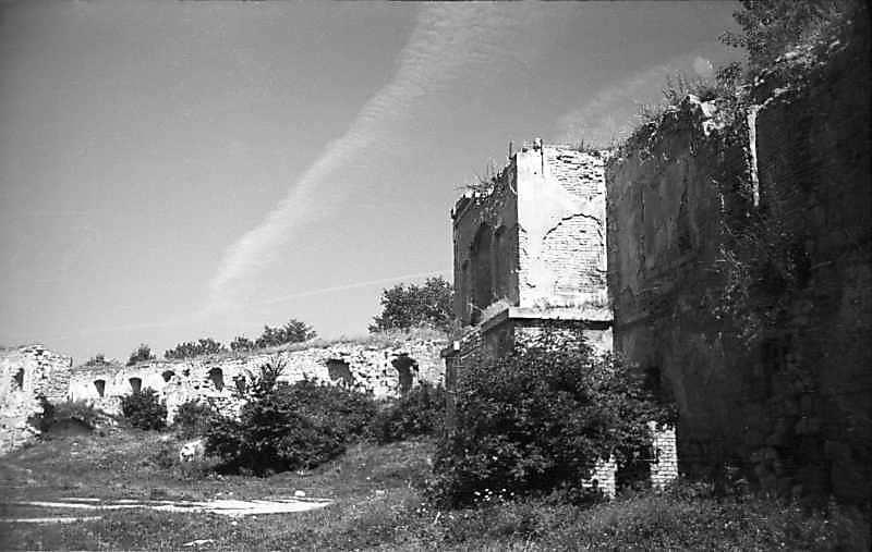 1977 р. Корпус 13, башта 1 і корпус 12. Вигляд з півдня
