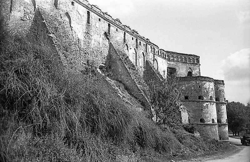 1978 р. Східна частина південного муру. Вигляд із заходу