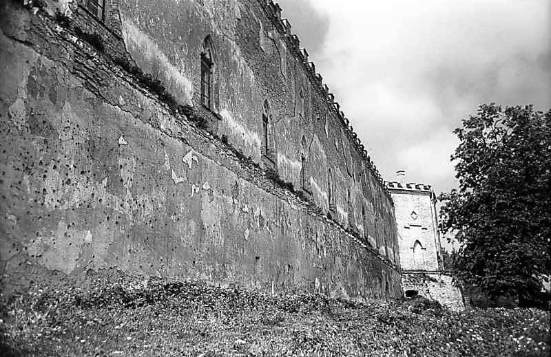 1978 р. Північно-східний мур і північна башта. Вигляд зі сходу