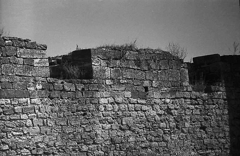 1984 р. Мур між баштами 7 і 6. Вигляд з південного заходу
