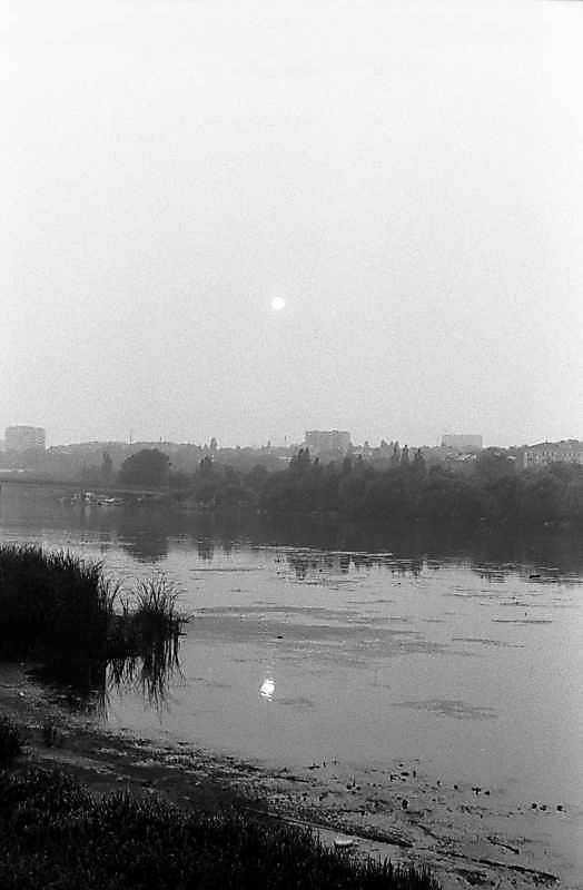 1984 р. Вид на ріку Бог на закаті сонця