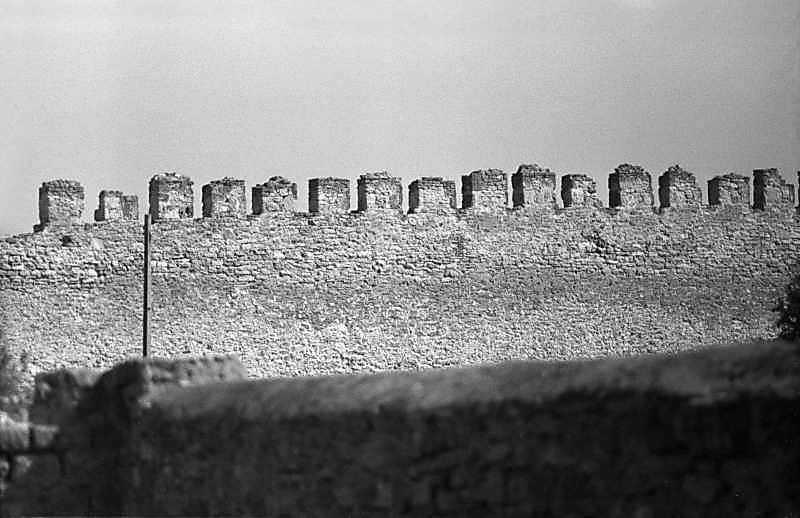 1984 р. Західна ділянка середнього муру. Вигляд з південного заходу