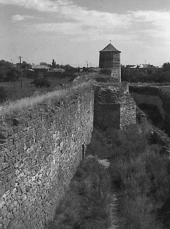 1984 р. Південний фронт з баштами 9, 8, 7, 6. Вигляд із заходу, з башти 10