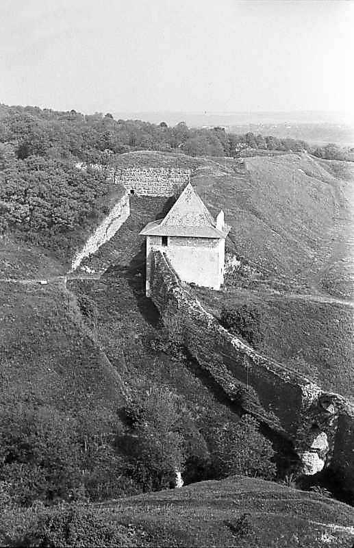 1985 р. Західний рів, мур, Ясська брама і бастіон 5. Вигляд з півдня