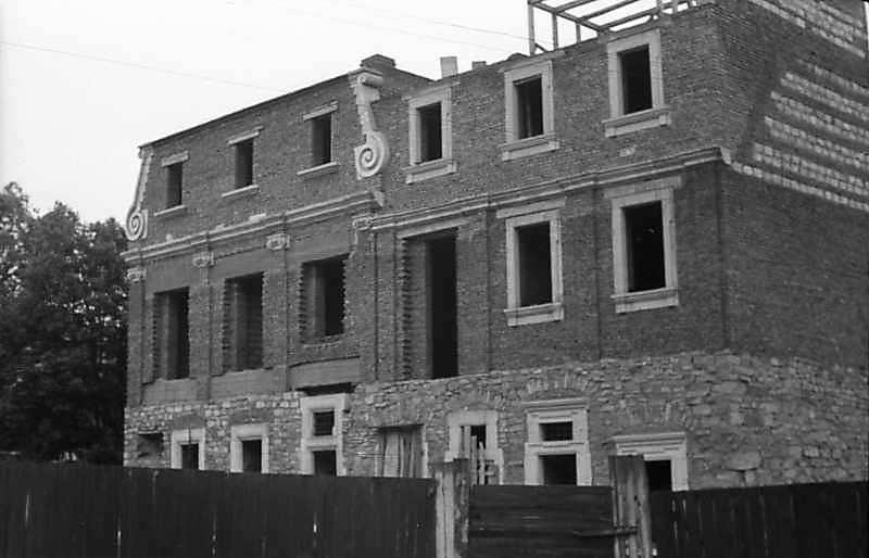 1985 р. Будинок у процесі відбудови