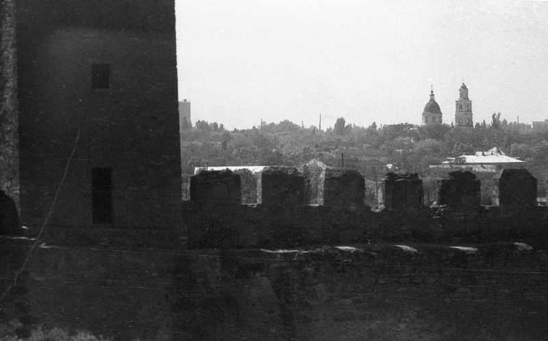 1986 р. Фрагмент башти 23 та середнього муру. Вигляд з півночі