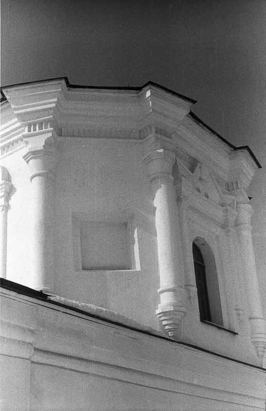 1987 р. 2-й ярус апсиди. Вигляд з південного сходу