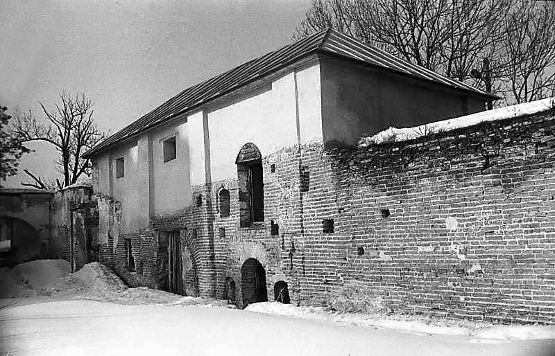 1987 р. Невідома споруда біля Іллінської брами