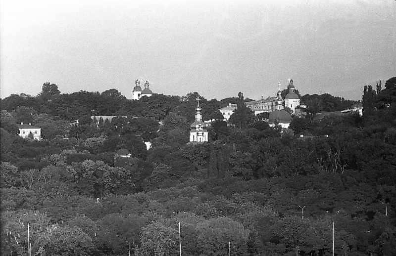 1987 р. Ближні печери. Вигляд зі сходу
