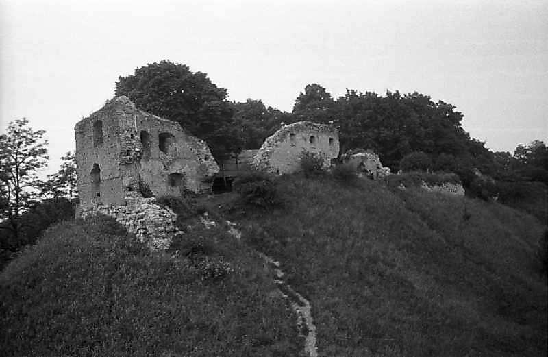 Башта і чільний мур