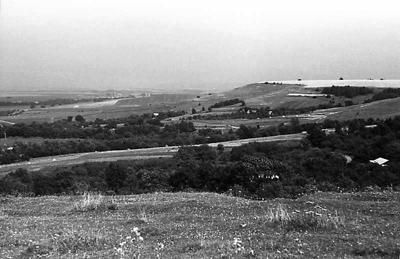 1988 р. Краєвид в напрямку на північний схід від села