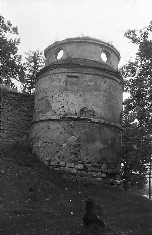 1988 р. Південно-західна башта (6). Вигляд з північного заходу